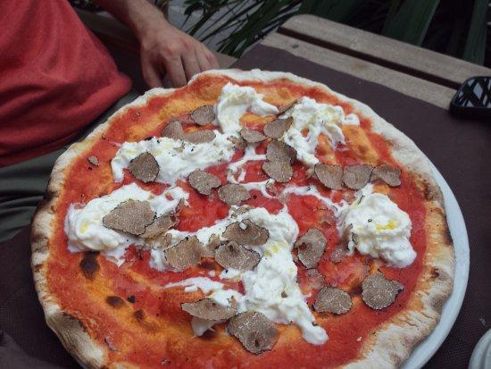 La Locanda Abruzzese : pizza stratartufo