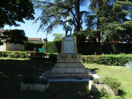 Monpazier War Monument