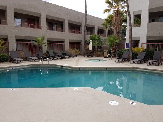 Best Western Innsuites Tucson Foothills Hotel & Suites $71 ($̶8̶7̶) - UPDATED 2018 Prices ...