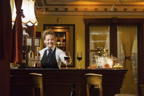 Hotel Manfredi Suite in Rome: Wine Bar