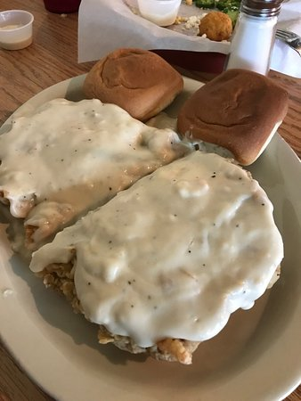 Lampasas, TX: This is the chicken fried chicken... unless you have a huge appetite, split it!!! It wonderful!!