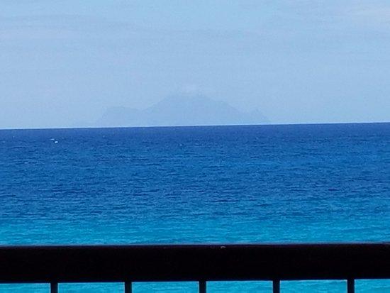 Cupecoy Bay, St. Maarten-St. Martin: Saba - Original King Kong island picture