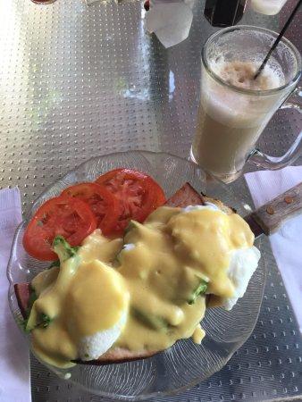 Placerville, Californië: Eggs Benedict