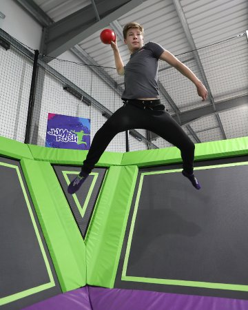 Morecambe, UK: jump rush dodgeball