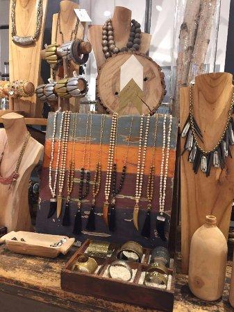 Thorold, Canada: Jewelry