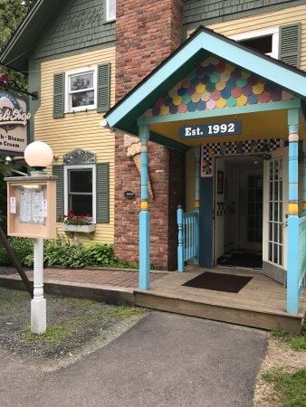 Depot Street Malt Shop : photo1.jpg