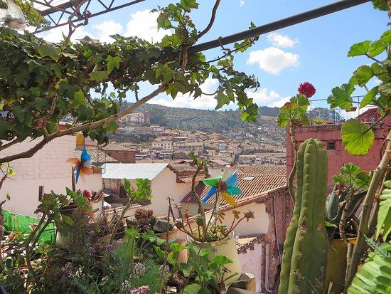 Royal Frankenstein: Patio avec vue sur Cuzco.