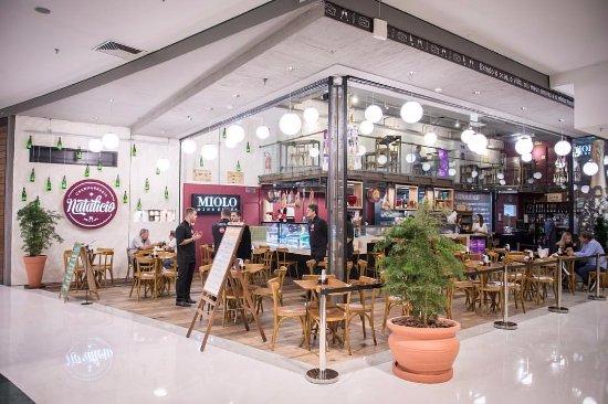 1c289b8bde Champanharia Natalício Barra Shopping Sul