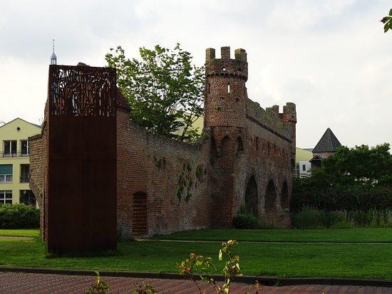 Rijksmonument Berkelpoort-ruine uit 1424