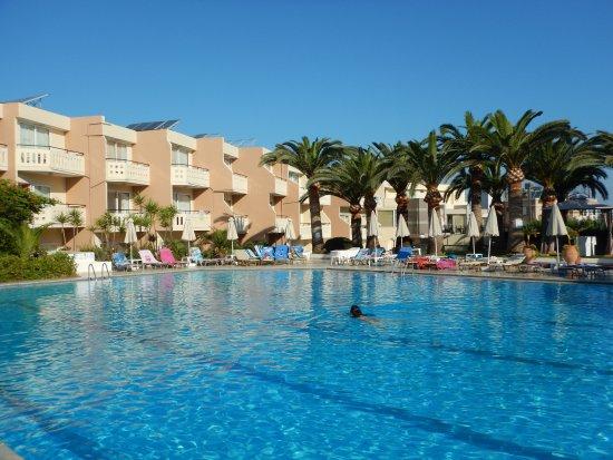 Hotel Amalthia Beach Agia Marina