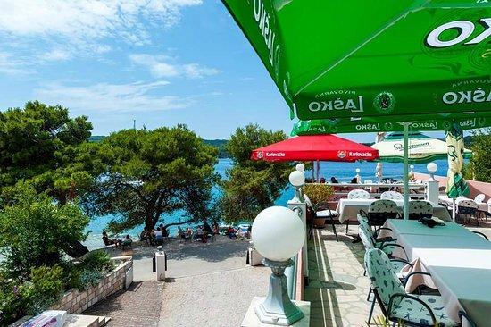 Necujam, โครเอเชีย: Caffe Bar and Restaurant 4 Dame