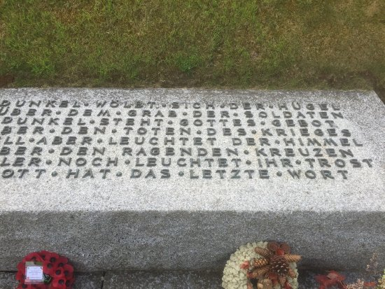 La Cambe, France: Stong text! Beautiful way to show respect but also the dilemma of what to say to the sacrifice o