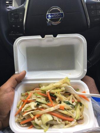 Lauderdale Lakes, ฟลอริด้า: Chow mein (delish)