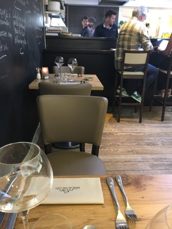 Jette, Belgium: Wine in the City