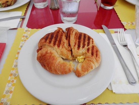 Fair Oaks, CA: bacon & egg croissant