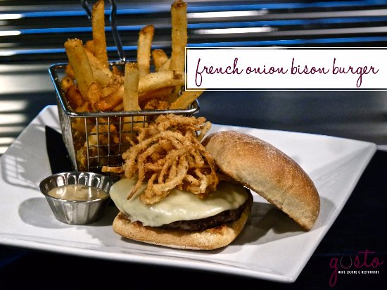 Waverly, Αϊόβα: French Onion Bison Burger