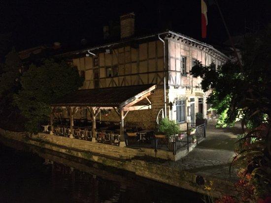 Chatillon-sur-Chalaronne, Frankrike: Chatillon la nuit