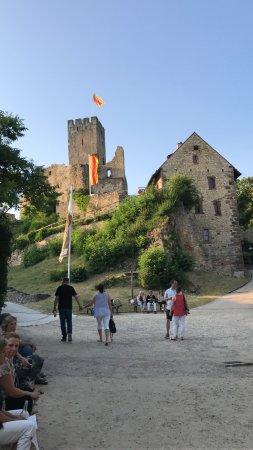 Burgschenke Rötteln: Blick auf die Burg