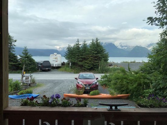 Alaska Paddle Inn: View from the Low Tide Room