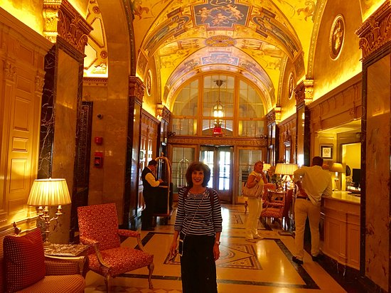 The Sherry-Netherland Hotel: Lobby