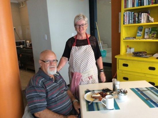 Umdloti, South Africa: Sharon and John the lovely hosts