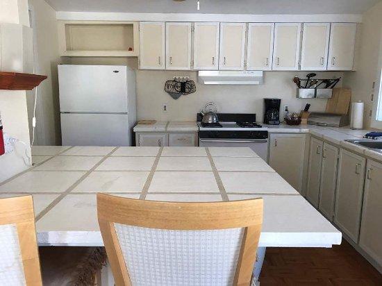 Shoshone, Καλιφόρνια: Black Rock Cabin Kitchen