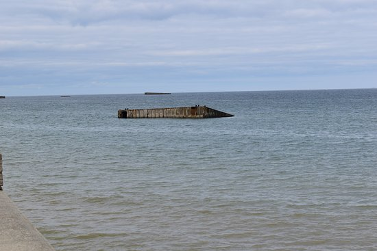 Arromanches-les-Bains, Frankreich: remnants of a ramp