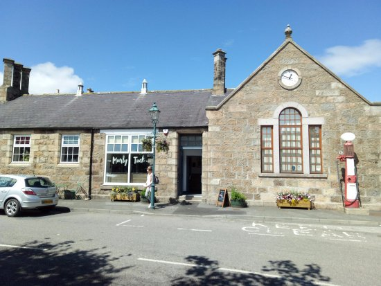 Tarves, UK: Located next to the Heritage Centre in the middle of the village