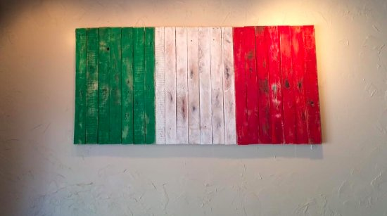 Athens, OH: Italia wall decoration