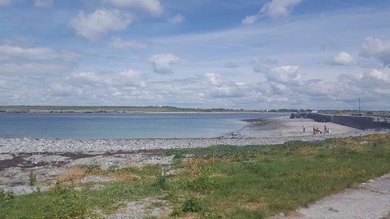 Atlantic View Cottages: Flaggy shore