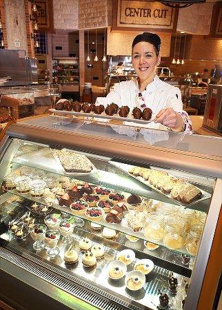 Waterloo, NY: Farmers Market Buffet Desserts