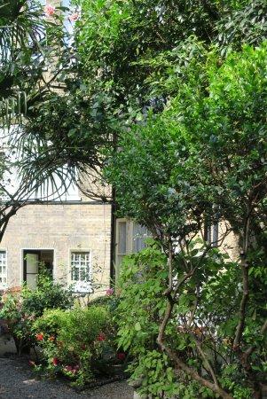 Jesmond Hotel: Le joli petit jardin