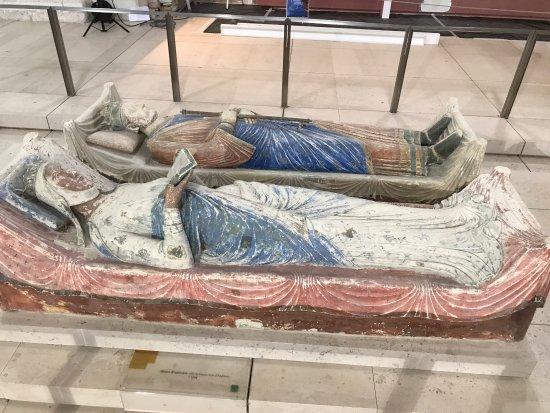 Fontevraud-l'Abbaye, France: photo1.jpg