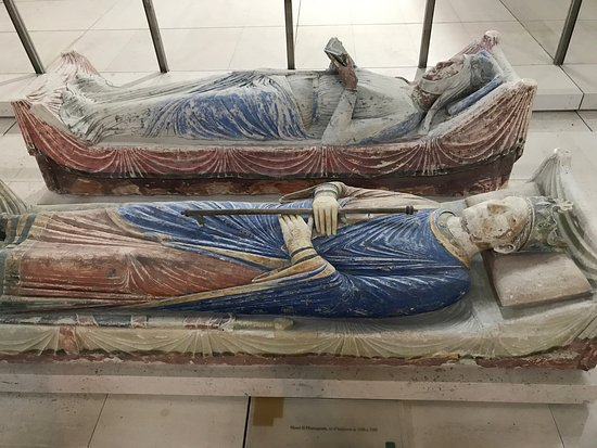 Fontevraud-l'Abbaye, France: photo3.jpg