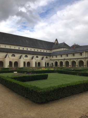 Fontevraud-l'Abbaye, France: photo7.jpg