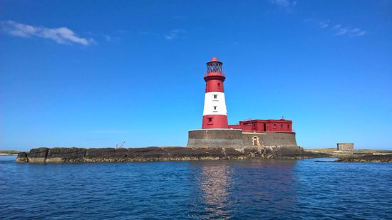 Seahouses, UK: The Longstone Lighthouse (of Grace Darling fame) in the Farne Islands, seen from Serenity tour b