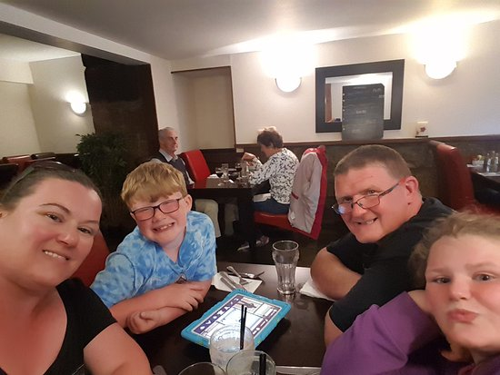 Tain, UK: Family meal