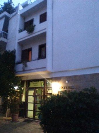 Hotel Nefeli: IMG_20170629_211055_large.jpg