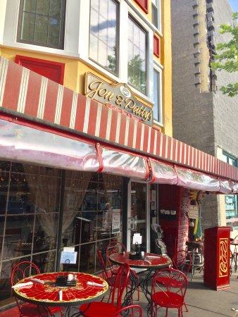 Jon & Patty's Coffee Bar & Bistro : photo2.jpg