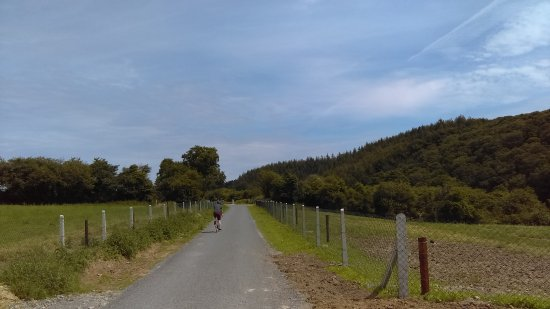 County Waterford, Irland: the open country on the greenway
