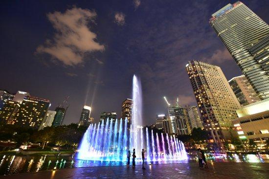 Viejas casino water show hours