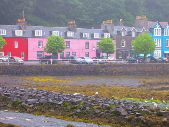 The Tobermory Hotel Harbor And Front Of