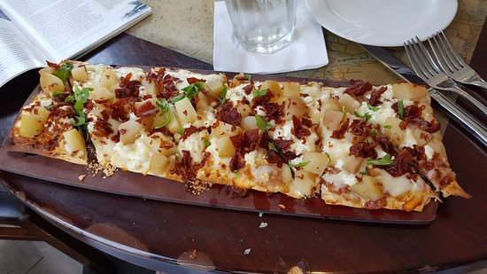 Manchester-by-the-Sea, MA: Pear and Pancetta Flatbread