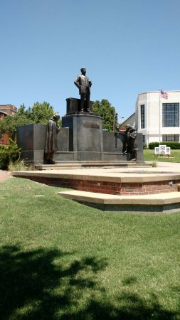 Sand Springs, OK: Charles Page statue outside the museum