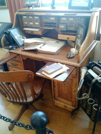 Sand Springs, OK : Page's desk