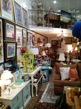 Sand Springs, OK : Lots of items to check out