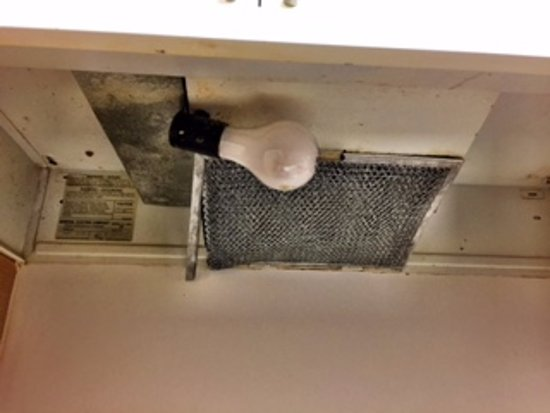 Extended Stay America - Sacramento - South Natomas: The stove exhaust - YUCK!!!!