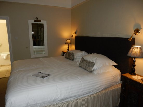Cotswold House Hotel & Spa: Bed