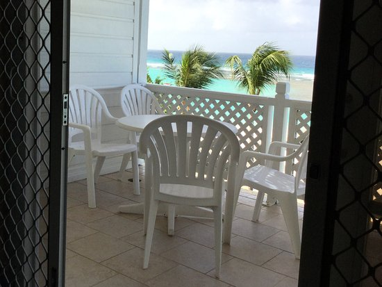 Worthing, Barbados: Patio is twice what you can see here