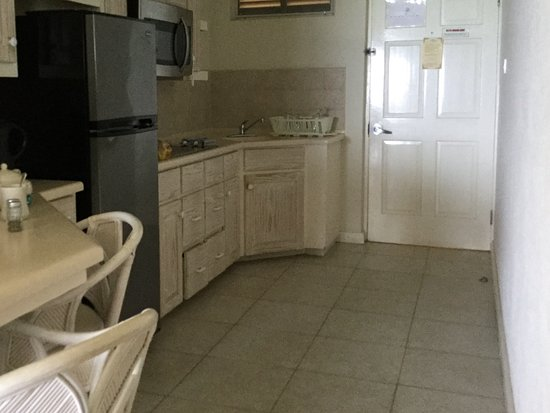 Worthing, Barbados: Very well equipped kitchen